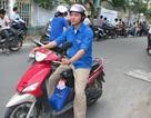Xe ôm miễn phí túc trực chờ sĩ tử tại Đà Nẵng