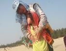 Đi cào ốc, hai phụ nữ bị sóng biển cuốn trôi