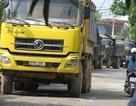 """Dân chặn đoàn xe tải vì """"xót"""" đường"""