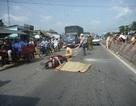 Va chạm với xe tải, một thanh niên bị cán tử vong