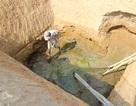 Thiếu nước ngọt nghiêm trọng, dân bỏ quê đi làm thuê