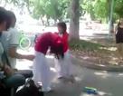 Hạ bậc hạnh kiểm với nữ sinh lớp 9 đánh bạn cùng trường dã man