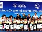 Quỹ sữa Vươn cao Việt Nam tiếp tục  hành trình trao tặng gần 130.000 ly sữa cho trẻ em Vĩnh Long
