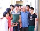 Thầy giáo khiếm thị 78 tuổi ở ngôi trường đặc biệt