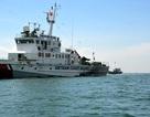 20 giờ nỗ lực cứu hộ tàu cá phục vụ hậu cần gặp nạn
