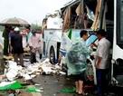 Xe khách tông dải phân cách trong mưa to, một người tử vong