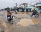 """Sau mưa lũ, nhiều tuyến quốc lộ """"nát như tương"""""""