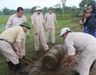 Khai quật quả đạn pháo nặng hơn 860 kg