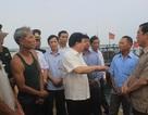 Phó Thủ tướng Trịnh Đình Dũng động viên ngư dân Quảng Trị