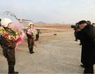 Ông Kim Jong-un chụp ảnh cho các nữ phi công Triều Tiên