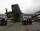 Indonesia đưa thân nhân tới vùng biển phi cơ AirAsia gặp nạn