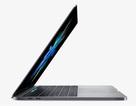 """Người dùng """"kêu trời"""" vì thời lượng pin của MacBook Pro mới"""
