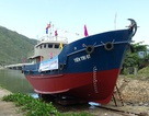 Hạ thủy tàu dịch vụ hậu cần nghề cá thu mua hải sản ở Hoàng Sa