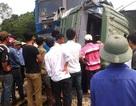 Tàu hỏa đâm nát ô tô, 1 người chết, 4 người trọng thương