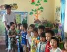 Thầy giáo cấp 2 tình nguyện sang mầm non nuôi dạy trẻ