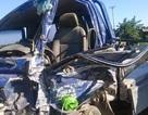 Xe tải nổ lốp lao sang đường ngược chiều, 4 người bị thương