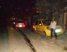Taxi bị tông văng xa gần 20 mét, xoay vòng trên đường
