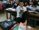Nghị lực phi thường của nữ sinh lớp 12 bị khiếm khuyết đôi tay bẩm sinh