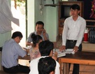 Vụ cá chết trên sông Bưởi: Đại diện nhà máy xin lỗi và trao tiền hỗ trợ