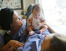 Chồng Tây cùng Phương Vy lần đầu song ca tiếng Việt tặng con gái