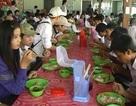 1 năm, phục vụ gần 10.000 suất ăn cho học trò nghèo