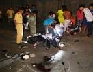 """Xe máy tông nhau vỡ """"tung tóe"""", 1 người chết, 4 người bị thương"""