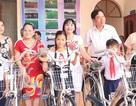 Trao 61 suất học bổng và 20 chiếc xe đạp cho học sinh hiếu học
