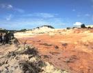 Đào vỉa, xả nước khai thác titan từ độ cao lớn làm vỡ hồ bùn thải