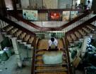 Tiểu thương di dời hàng hóa khỏi khu chợ cổ nhất Sài Gòn