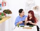 Nhạc sỹ Quốc Dũng- Bảo Yến ngại ngùng khi chụp ảnh kỉ niệm ngày cưới