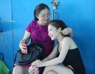 Mẹ Hương Tràm tất tả từ Nghệ An vào Sài Gòn chăm con gái
