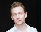 """Cận cảnh vẻ điển trai """"chết người"""" của """"nam thần"""" Tom Hiddleston"""