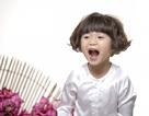 Con gái Thuý Nga hoá cô bé tóc xù đầy hài hước