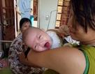 """Đáng thương bé gái 3 tháng tuổi bị bỏ rơi và tấm lòng của """"người mẹ bất đắc dĩ"""""""