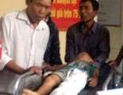 Cháu bé 5 tuổi bị cột điện đè nát chân