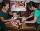Bị ung thư, chồng đau đớn đếm từng ngày vĩnh biệt vợ trẻ và con thơ 10 tháng tuổi