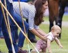 Hơn 1 tuổi, hoàng tử nước Anh đã trở thành biểu tượng thời trang