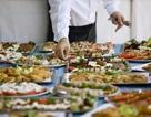 """Người Trung Quốc bị chỉ trích ngầm vì văn hóa ăn tiệc """"buffet"""""""