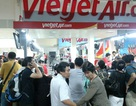 """Hàng trăm hành khách bức xúc vì bị """"bỏ rơi"""" ở sân bay"""