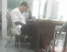 """Kỷ luật điều dưỡng """"nghịch điện thoại"""" trong giờ làm việc"""