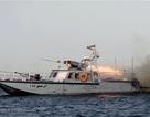 Iran phóng tên lửa gần tàu sân bay Mỹ