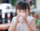 500ml sữa mỗi ngày giúp bé đạt chuẩn cân nặng