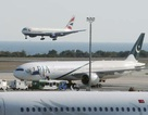 Hai máy bay Pakistan bị dọa đánh bom
