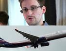 """Mỹ hủy hộ chiếu của Snowden, trách Hồng Kông """"làm khó"""""""