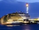 Tàu Costa Concordia bị lật nghiêng đã được kéo thẳng trở lại