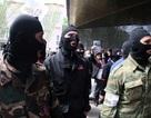 Người biểu tình tấn công tòa nhà chính quyền Đông Ukraine
