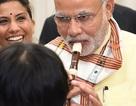 Thủ tướng Ấn Độ ngẫu hứng thổi sáo trong chuyến thăm Nhật Bản
