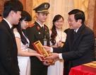 Chủ tịch nước Trương Tấn Sang gặp mặt các tấm gương SV tiêu biểu