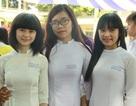 Học sinh lớp 12 phố núi rạng rỡ trong Lễ tri ân thầy cô