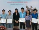 Trao học bổng đến các sinh viên xuất sắc ĐH Bách khoa